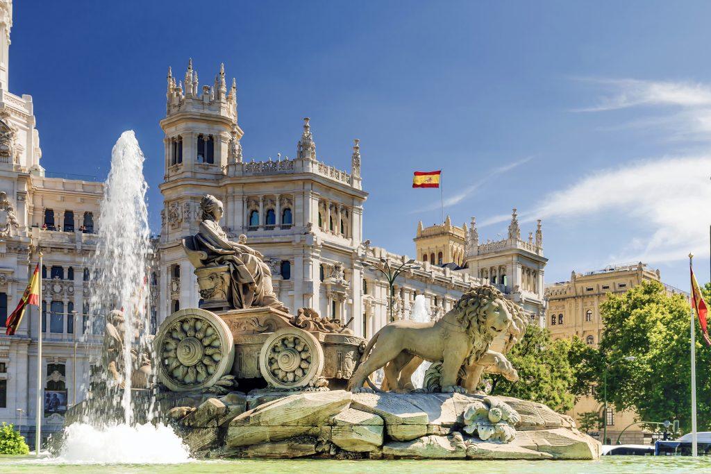 Standbeeld in Madrid op een plein
