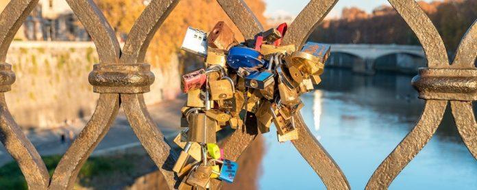 Love locks Rome