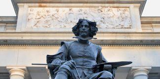 Velázquez standbeeld